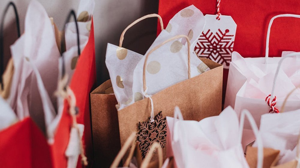 9 ways to avoid a budget blowout this festive season